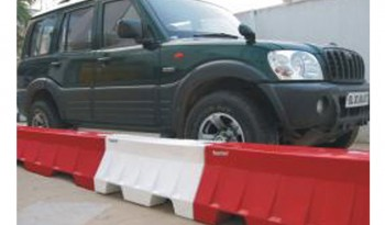MINI ROAD SAFETY BARRIER full