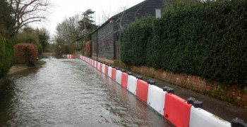 Barnham-flood-defence-deployment-2-lr-768x576